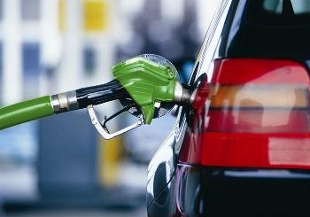 Розничные цены на бензин в России встали