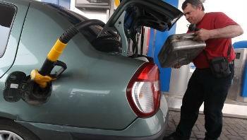 Бензин в Алтае остается одним из самых дешевых во всем регионе