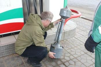 Правительство предполагает взимать штрафы за некачественные нефтепродукты